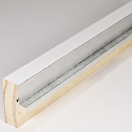 INK4411.681 21x38 - mała biała matowa  ramka z srebrnym schodkiem